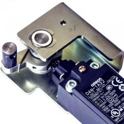 Sistema de detecção de abertura de porta com chave de emergência